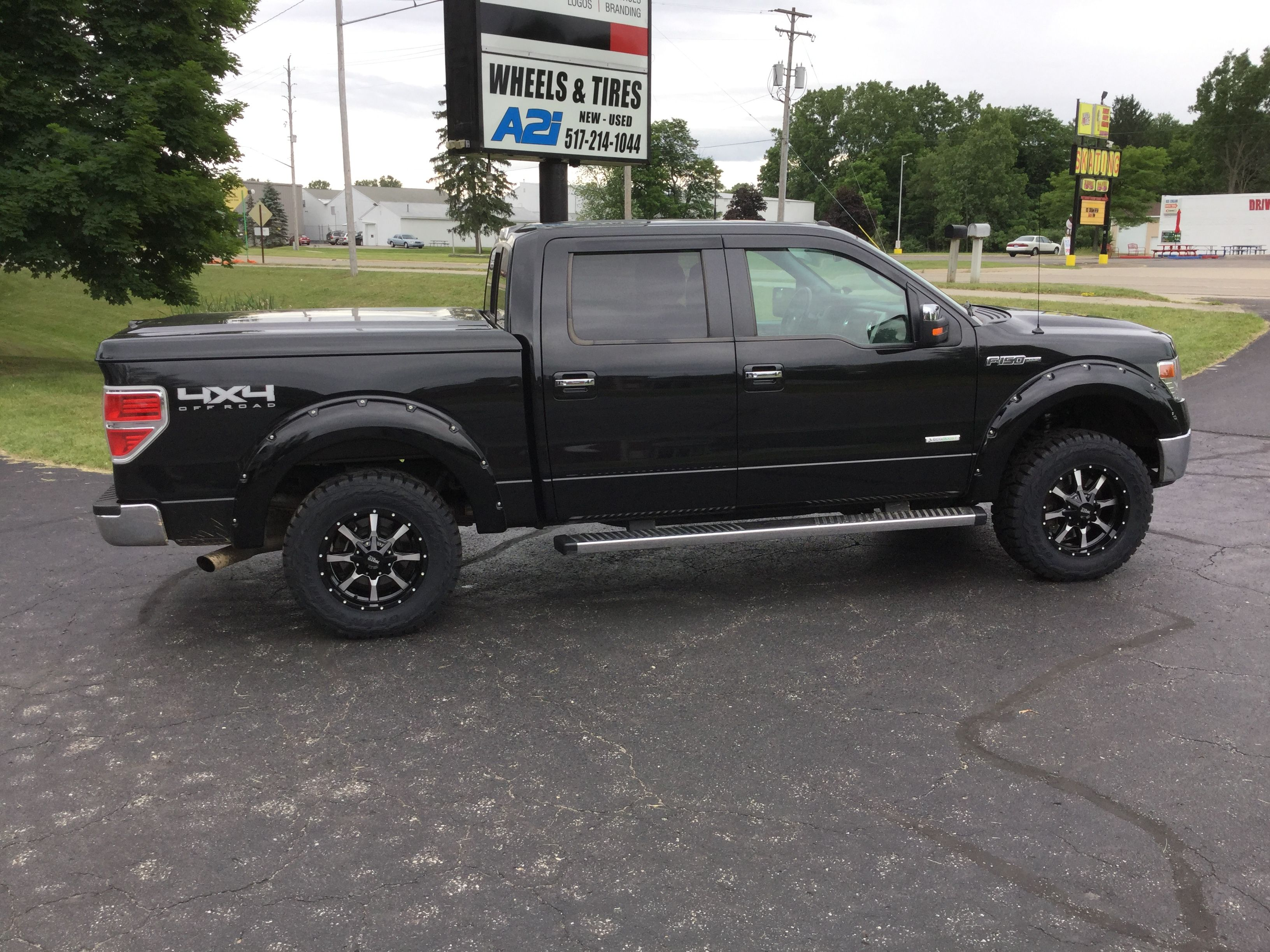 Tire Places Open Today >> Hooking Our Customers F150 With Set Of 18 Moto Metal Mo970 Wheels
