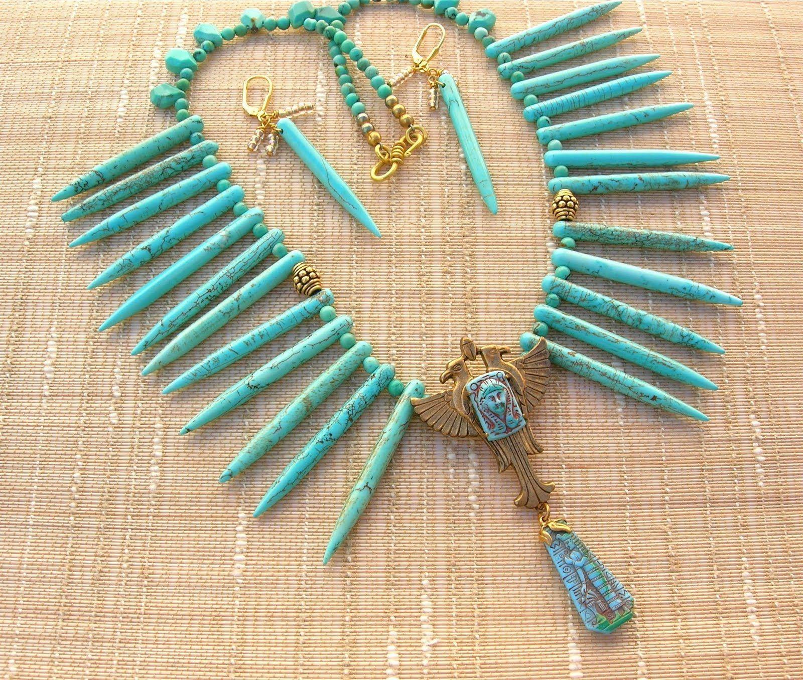 Bijuterias inspiradas na moda egípcia e um pouco de cultura: O Egito é conhecido pela sua antiga civilização e por alguns monumentos muito famosos.