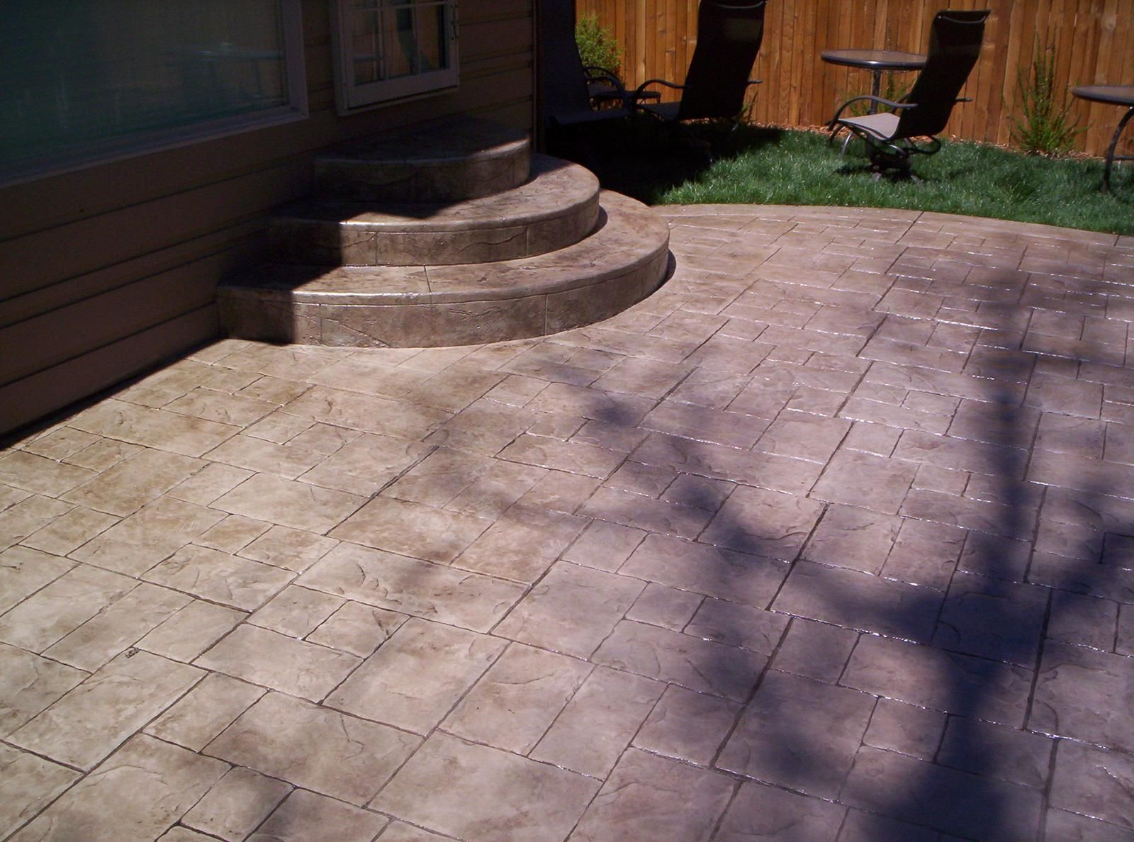 Small Ashlar Slate, Stamped Concrete Patio.