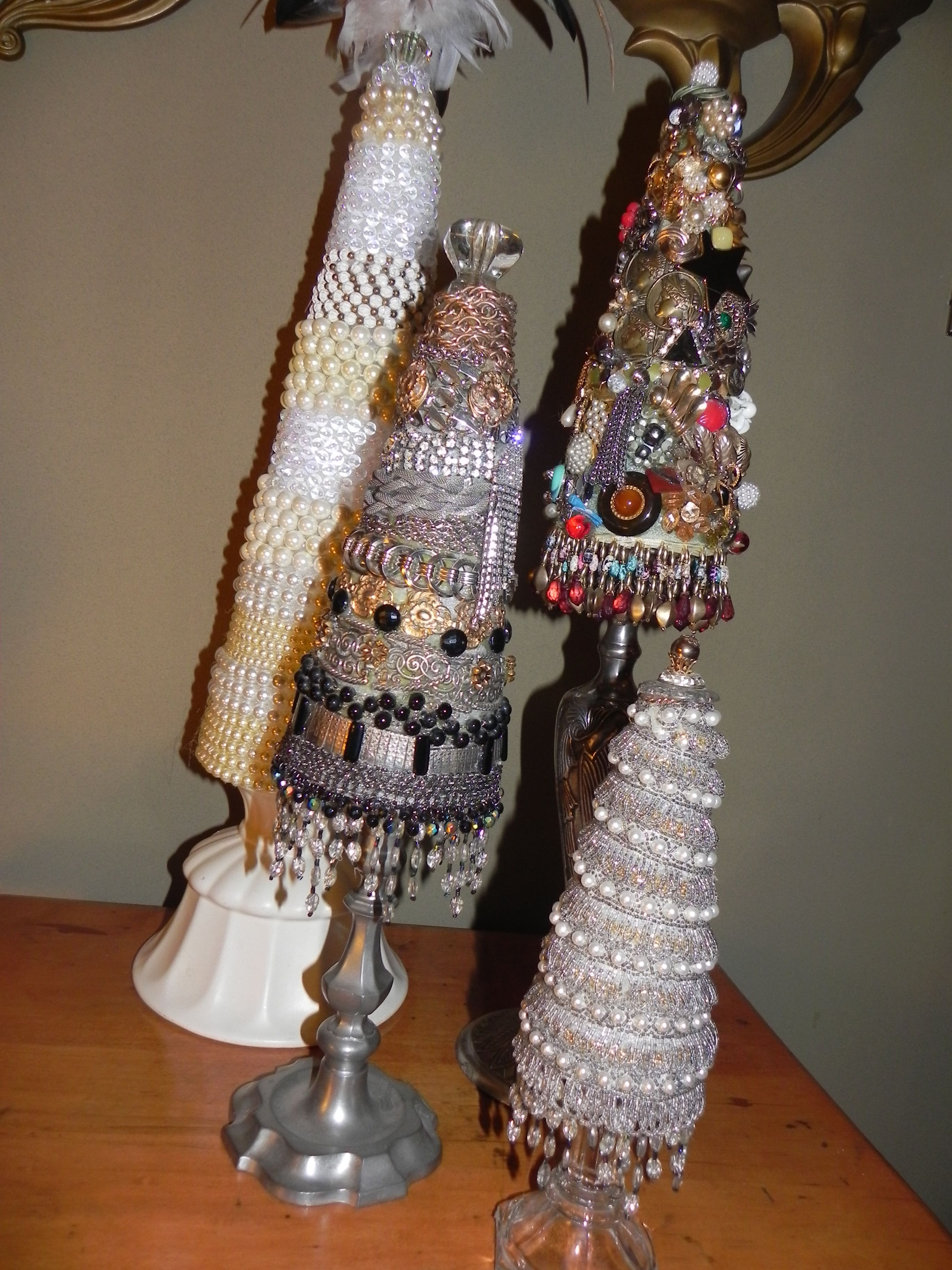 Christmas Trees Made Of Pearls Vintage Costume Jewelry And Necklaces The Bases Are Old C Jewelry Christmas Tree Jeweled Christmas Trees Christmas Tree Crafts