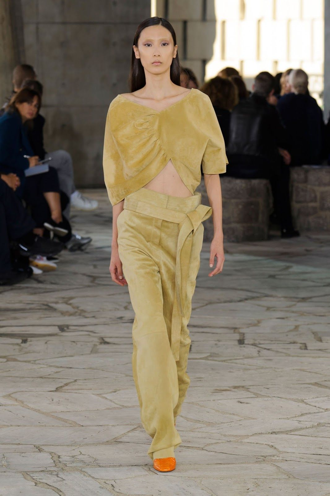 Paris Fashion Week Loewe   ZsaZsa Bellagio   Like No Other ...