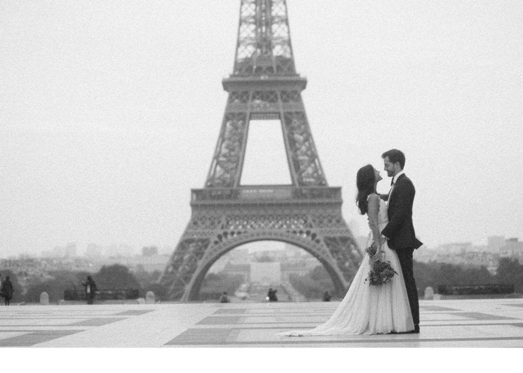 A Romantic Elopement on the Streets of Paris