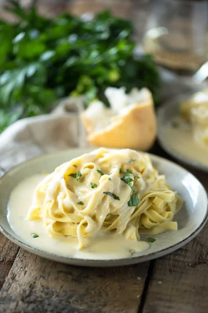 This Homemade Copycat Olive Garden Alfredo Sauce Is A Fast And Easy Dinner And Even Better Than