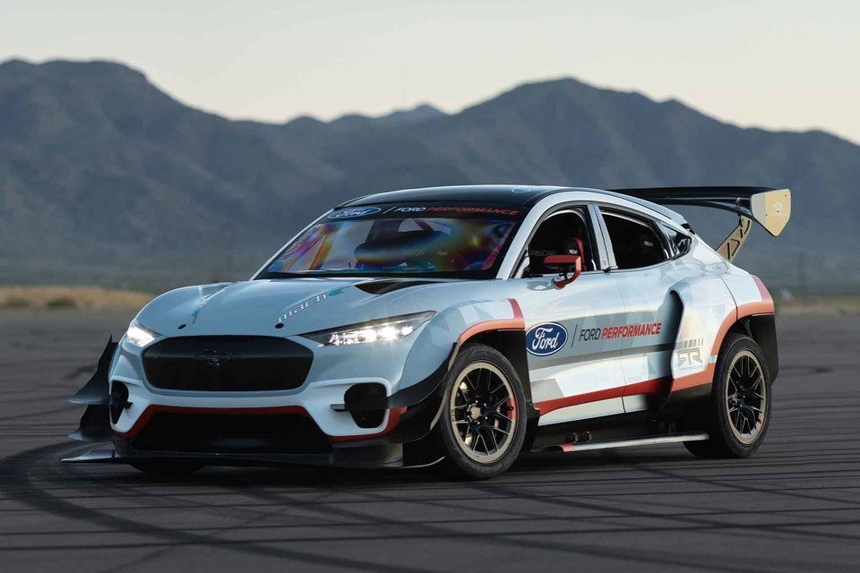 Ford Mustang Mach E 1400 Prototype Suv In 2020 Ford Mustang All Electric Cars Jeep Cars