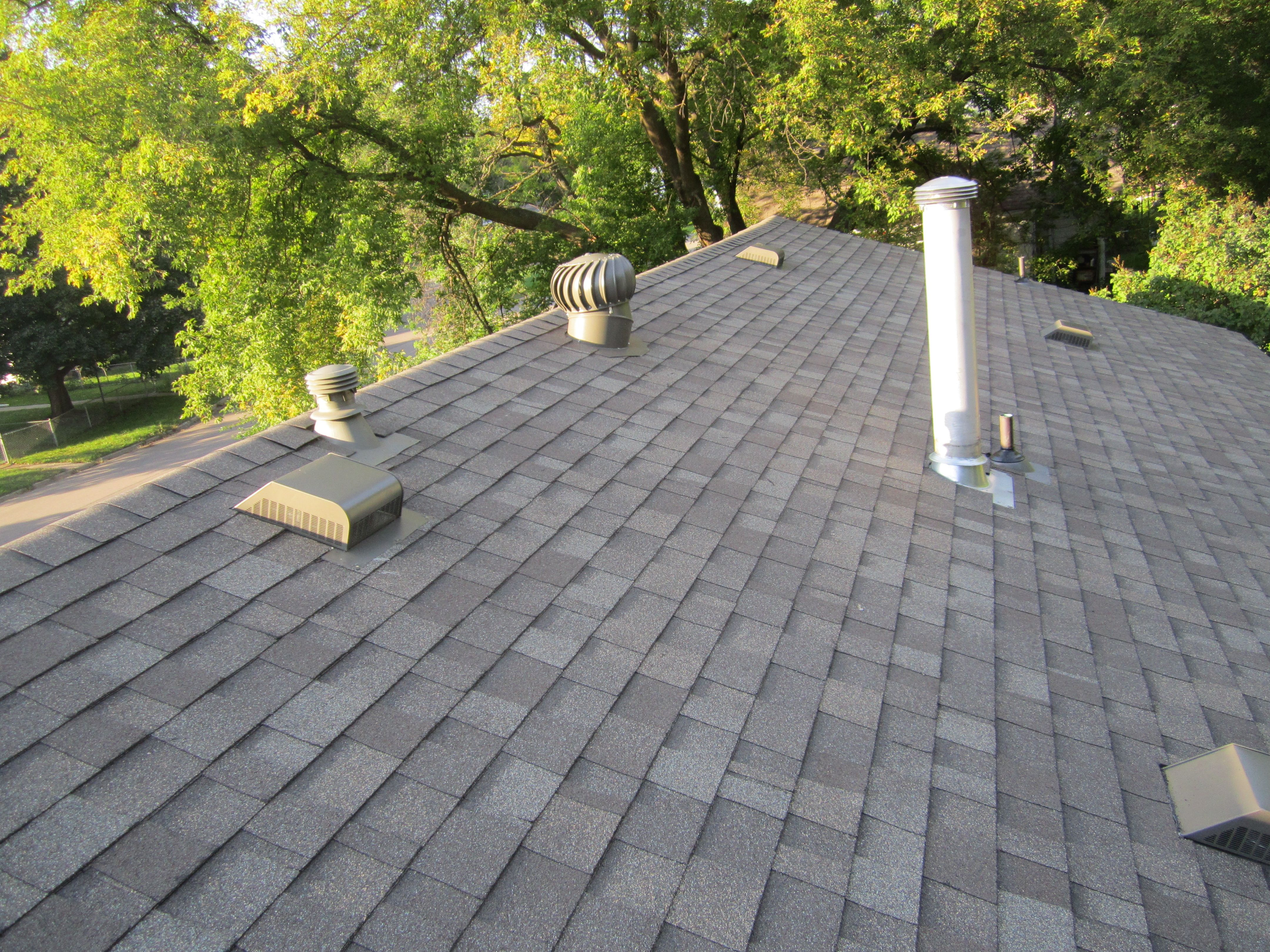 Best Asphalt Shingle Roof In Robbinsdale Mn Owens Corning Driftwood Color Roofing Pinterest 400 x 300