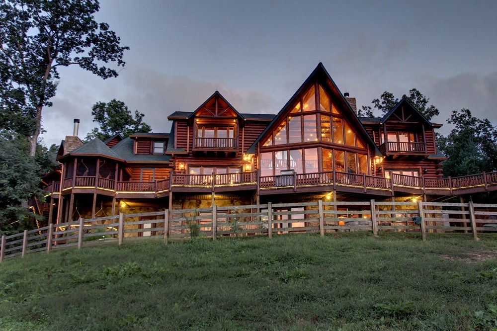 Five Star Cabin And Lodge Blue Ridge GA Mountain Wedding Venue