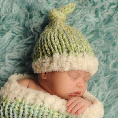 Free Knitting Pattern L20132 Sweet Dreams Baby Cocoon And Hat Set