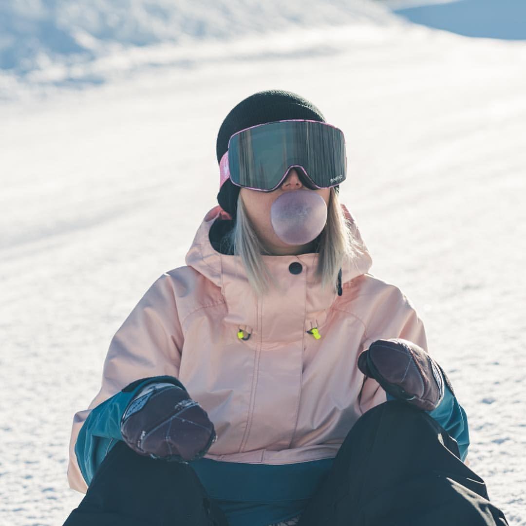 Mahpapaya Sagaouterwear Saga Outerwear Skiing Outfit Snowboarding Outfit [ 1080 x 1080 Pixel ]