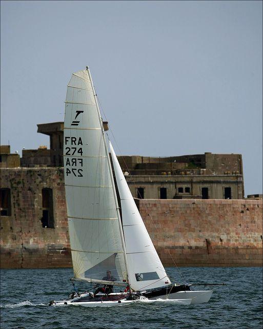 Catamaran www.cherbourgtourisme.com Crédit JM Enault