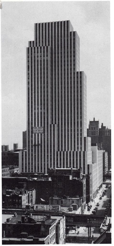 The Daily News Building Raymond Hood 1930 On 42nd Street Between