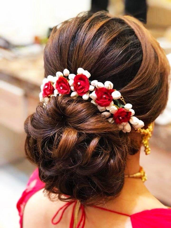 New Hairstyles For Indian Wedding Function Mehdi Haldi Sangeet Bridal Hair Buns Engagement Hairstyles Indian Bridal Hairstyles