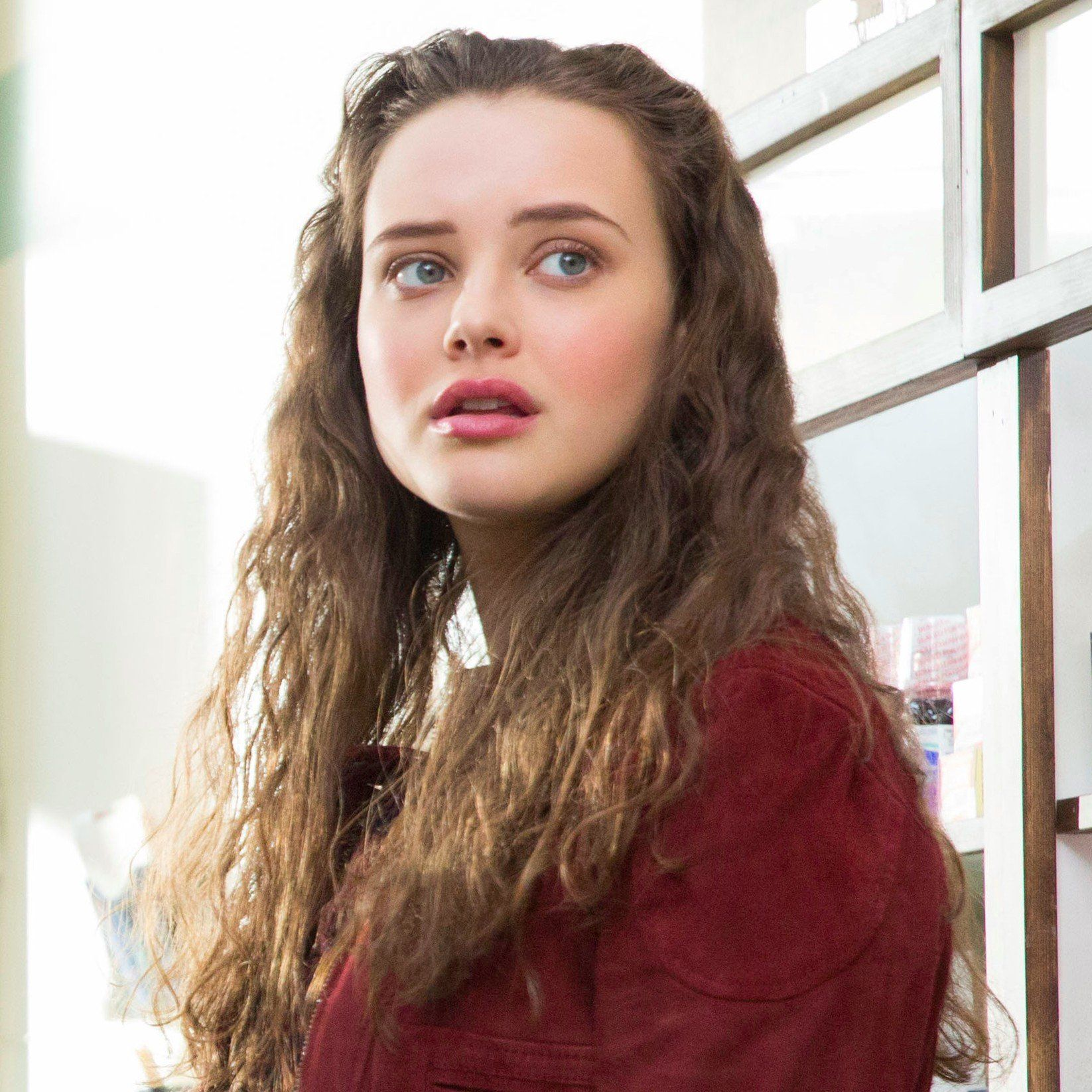 Nike jacket from 13 reasons why - 13 Reasons Why Hannah Baker And Katherine Langford Image Katherine Langford Pinterest Beautiful Dr Who And Sisters
