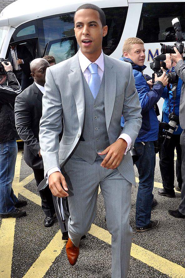 Suits But With Different Color Blue Tie Grauer Anzug Manner Grauer Anzug Braune Schuhe Hellgraue Anzuge