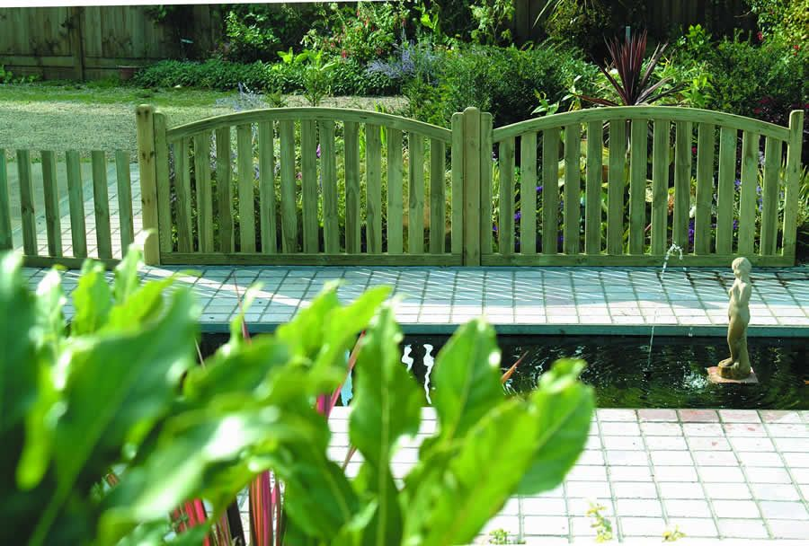 Arched top fence panel from osborn fencing milton keynes gardens arched top fence panel from osborn fencing milton keynes gardens landscaping workwithnaturefo