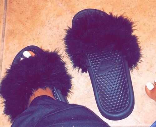 shoe show nike slides