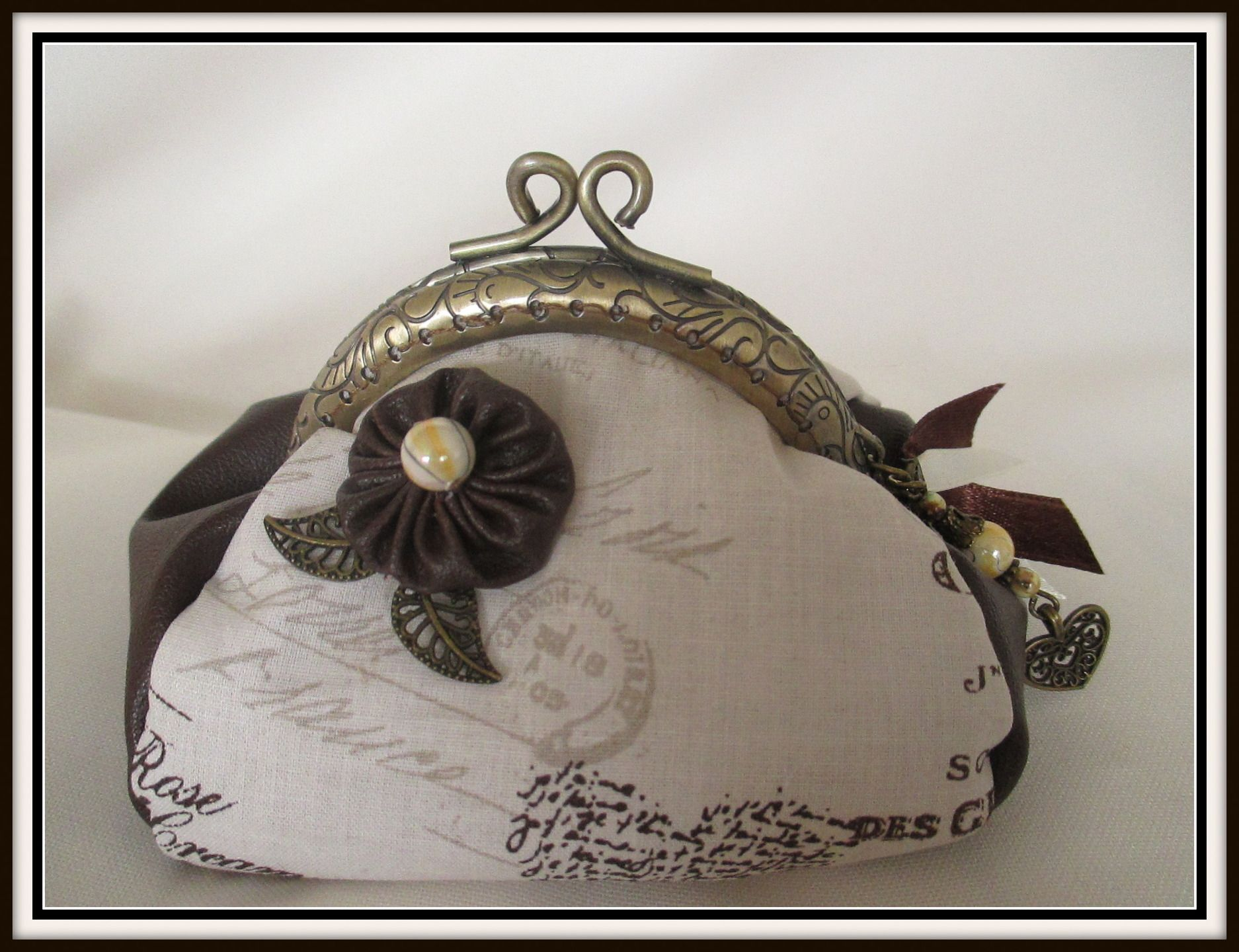 """porte monnaie""""BALADE ROMANTIQUE"""" simili cuir pour les côté fait main : Porte-monnaie, portefeuilles par cricri-fee-creative"""