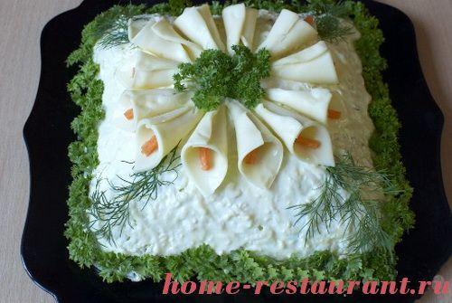 sloeniy_salat_s_kallami