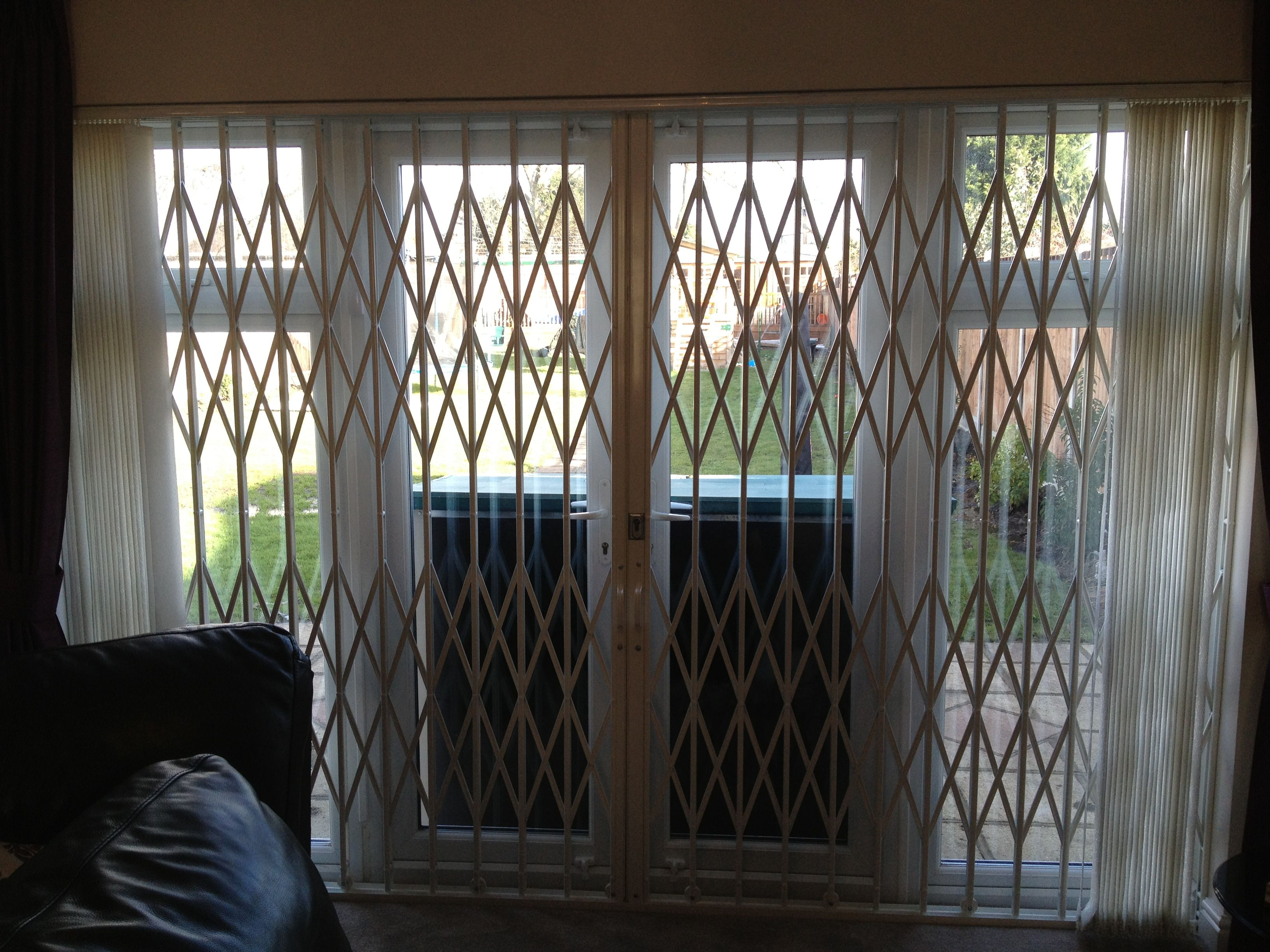 Rsg1000 Retractable Patio Door Security Grilles Fitted To