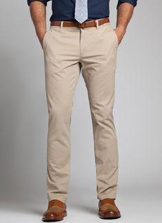 Khaki Pants Office Outfit Men Buscar Con Google Business Casual Men Mens Outfits Mens Fashion Suits