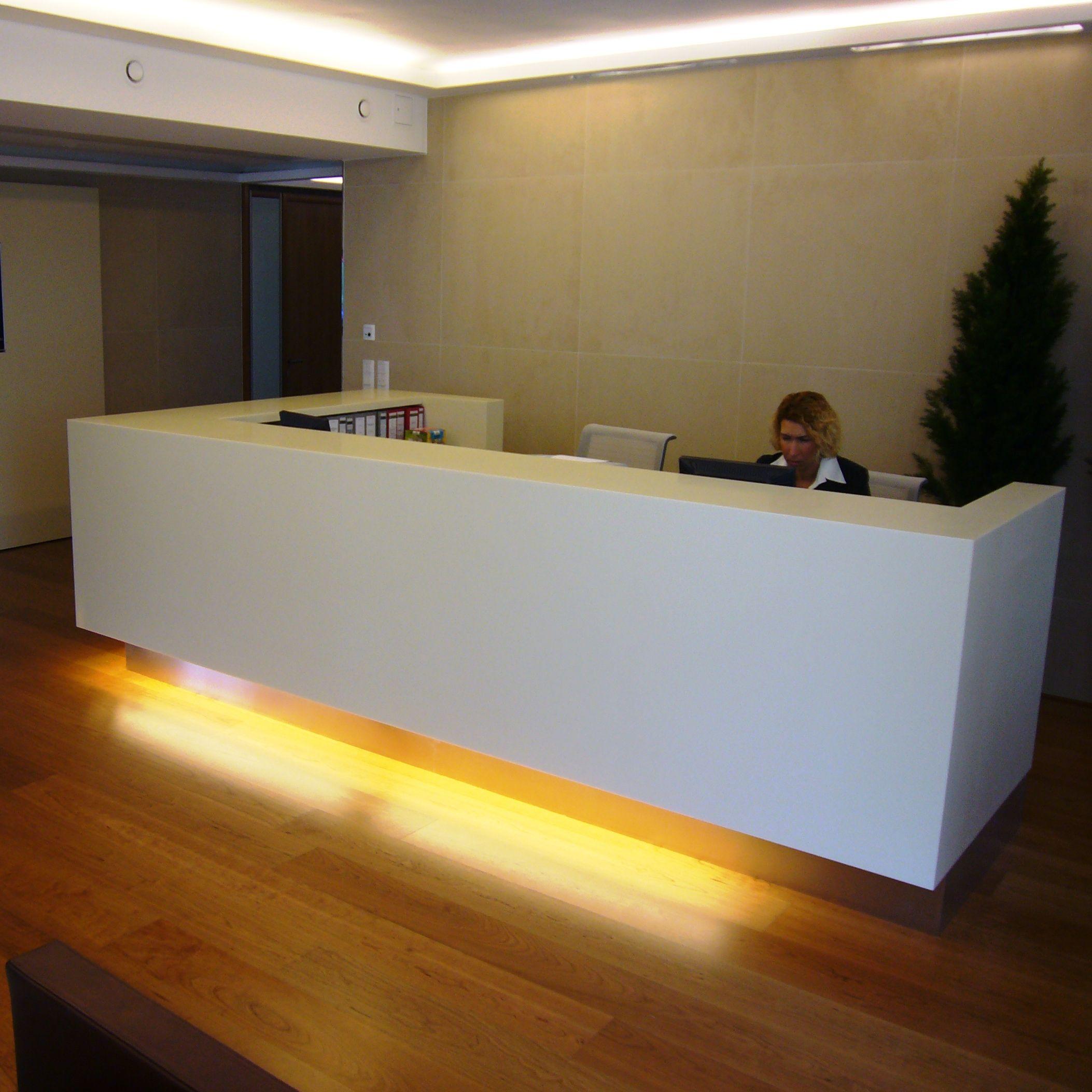 Theke in #LG HiMacs mit Bodenbeleuchtung  Beleuchtung, Theken, Boden