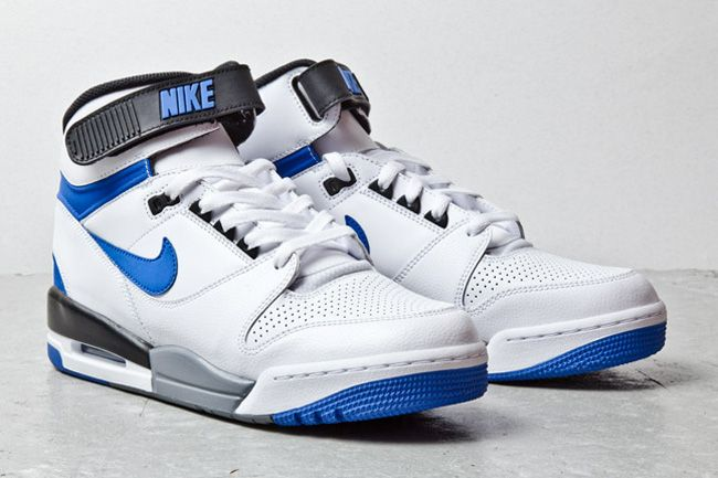 nike air revolution white blue