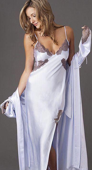 foto de Épinglé par Myriam Fonteyn sur night gowns Chemise de nuit Chemise de nuit longue et Tenue