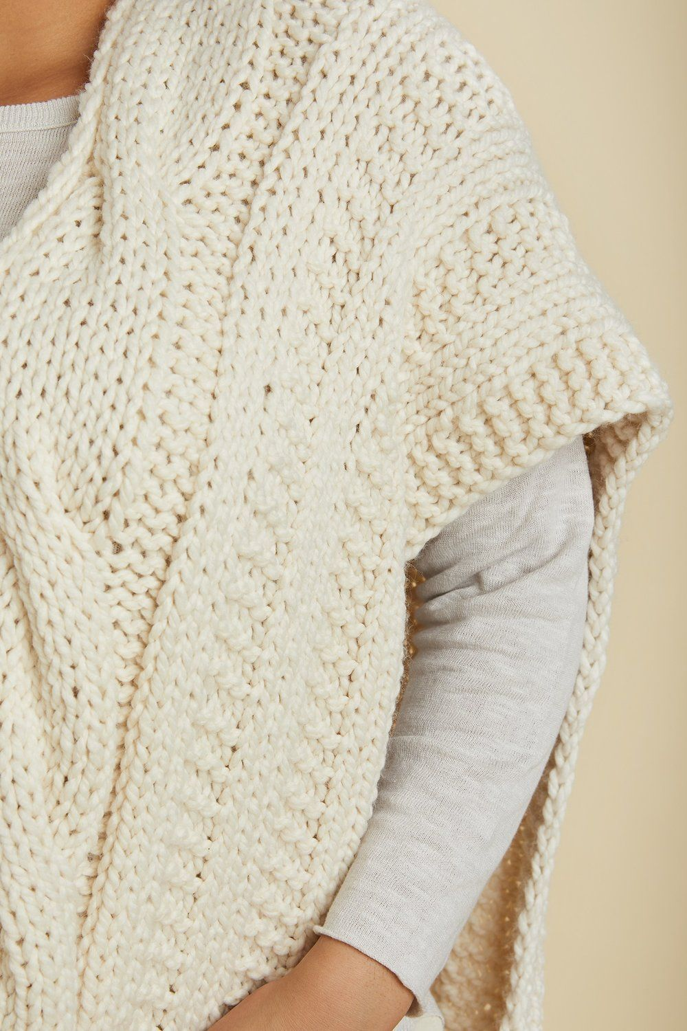 Roundup: Statement Knits For Spring | Dos agujas sacos | Pinterest ...