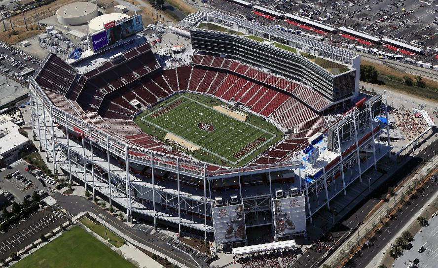 The 10 Most High Tech Sports Stadiums In The World Levi Stadium Sports Stadium Stadium