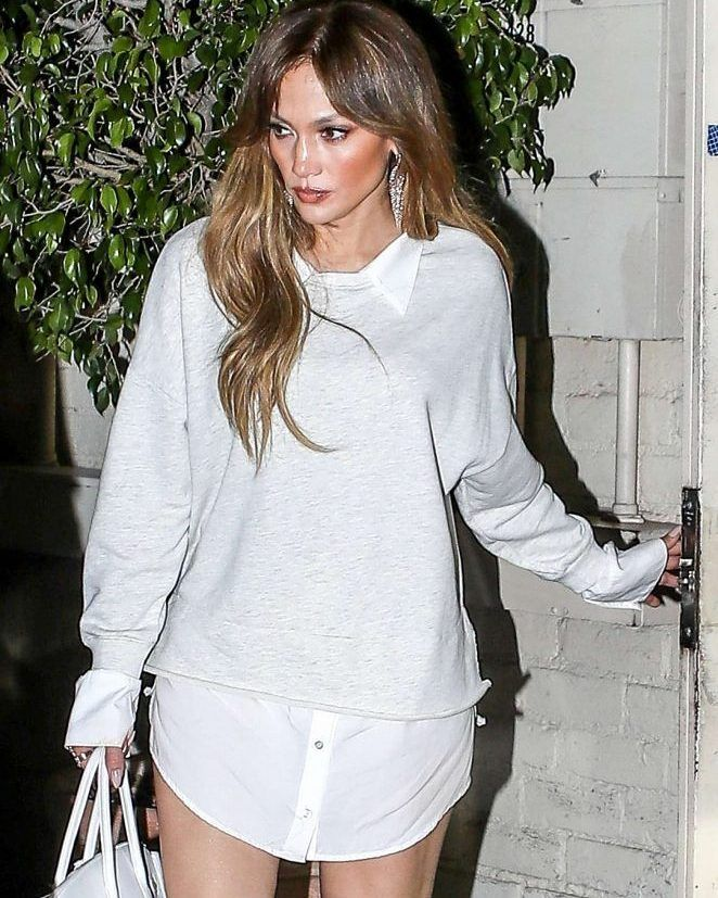 Jennifer Lopez at Tom Ford after a quick shopping in Los Angels #wwceleb #ff #instafollow #l4l #TagsForLikes #HashTags #belike #bestoftheday #celebre #celebrities #celebritiesofinstagram #followme #followback #love #instagood #photooftheday #celebritieswelove #celebrity #famous #hollywood #likes #models #picoftheday #star #style #superstar #instago #jenniferlopez