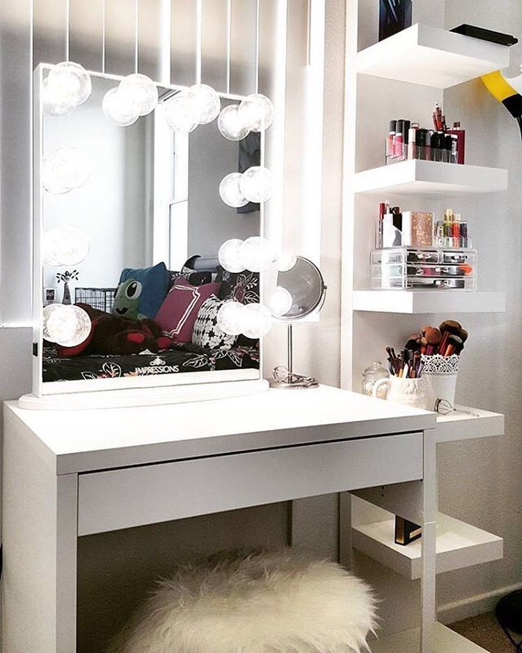 Case The Mondays Here Little Vanity Inspo Get