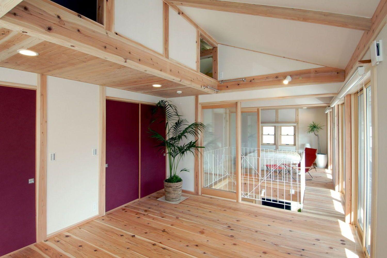 吹き抜け 和室 2階デッキ な家 高岡の家 雨楽 ミヤワキホームの写真集