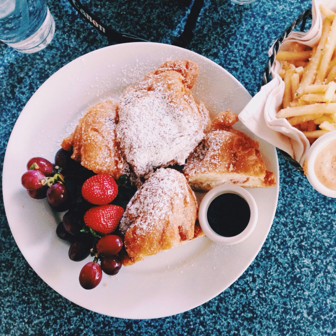 FOOD AT DISNEYLAND. Photography by Whitney Micaela VSCO GRID #whitneymicaelaphoto