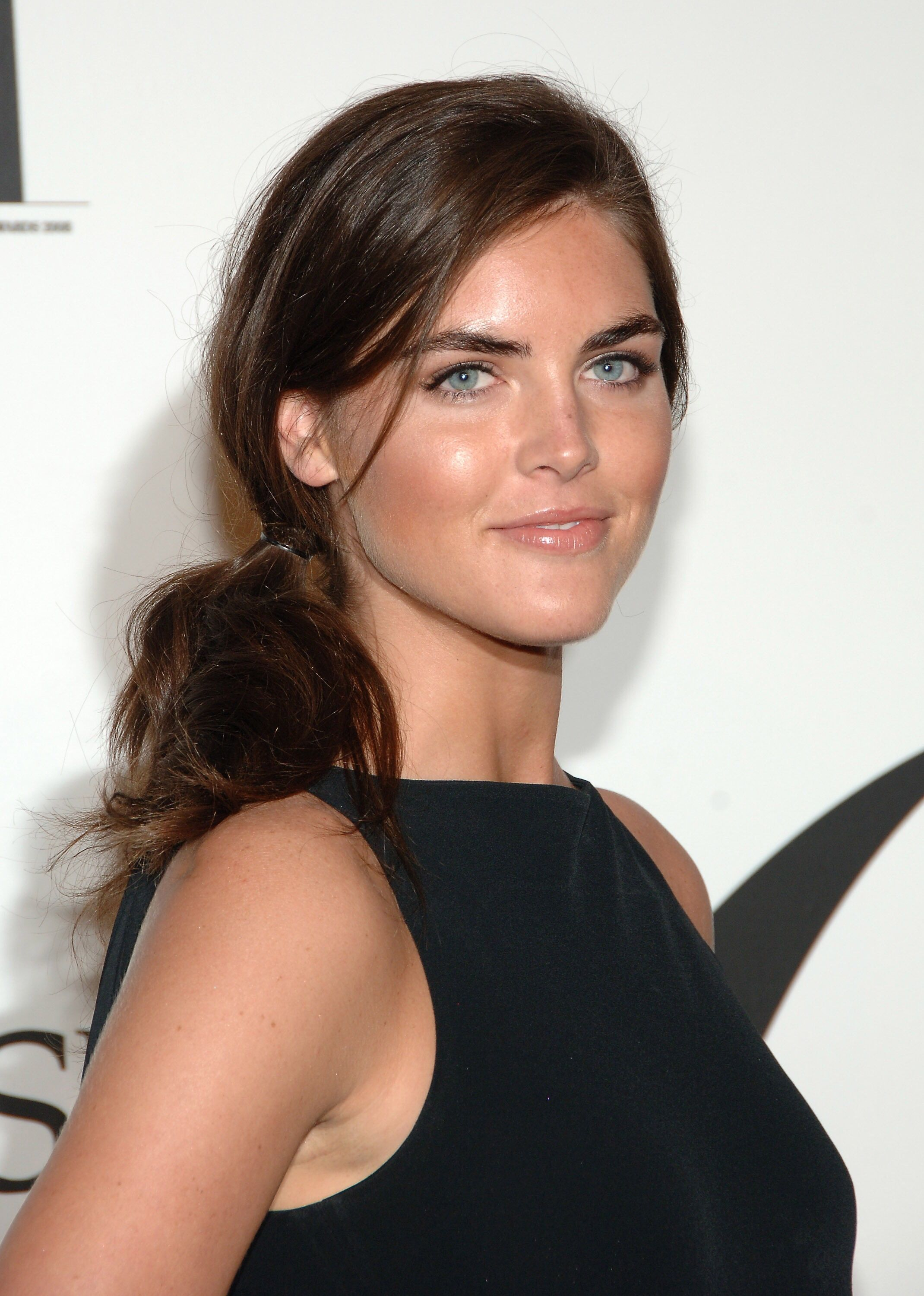 Cleavage Hilary Rhoda nude (41 photos), Sexy, Cleavage, Selfie, braless 2019