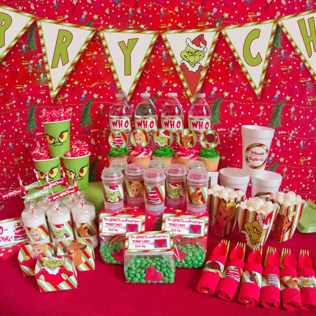 Christmas dessert table decoration ideas - How The Grinch Stole Christmas Party Printables By Chicaandjo