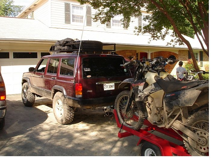 Jeep Cherokee Towing Dirt Bikes