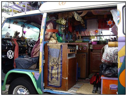 Hippy Van - Byron Bay 08 (With images) | Hippie van, Bus ...