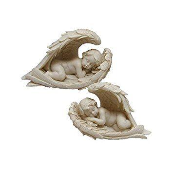 Querubines durmiendo en sus alas