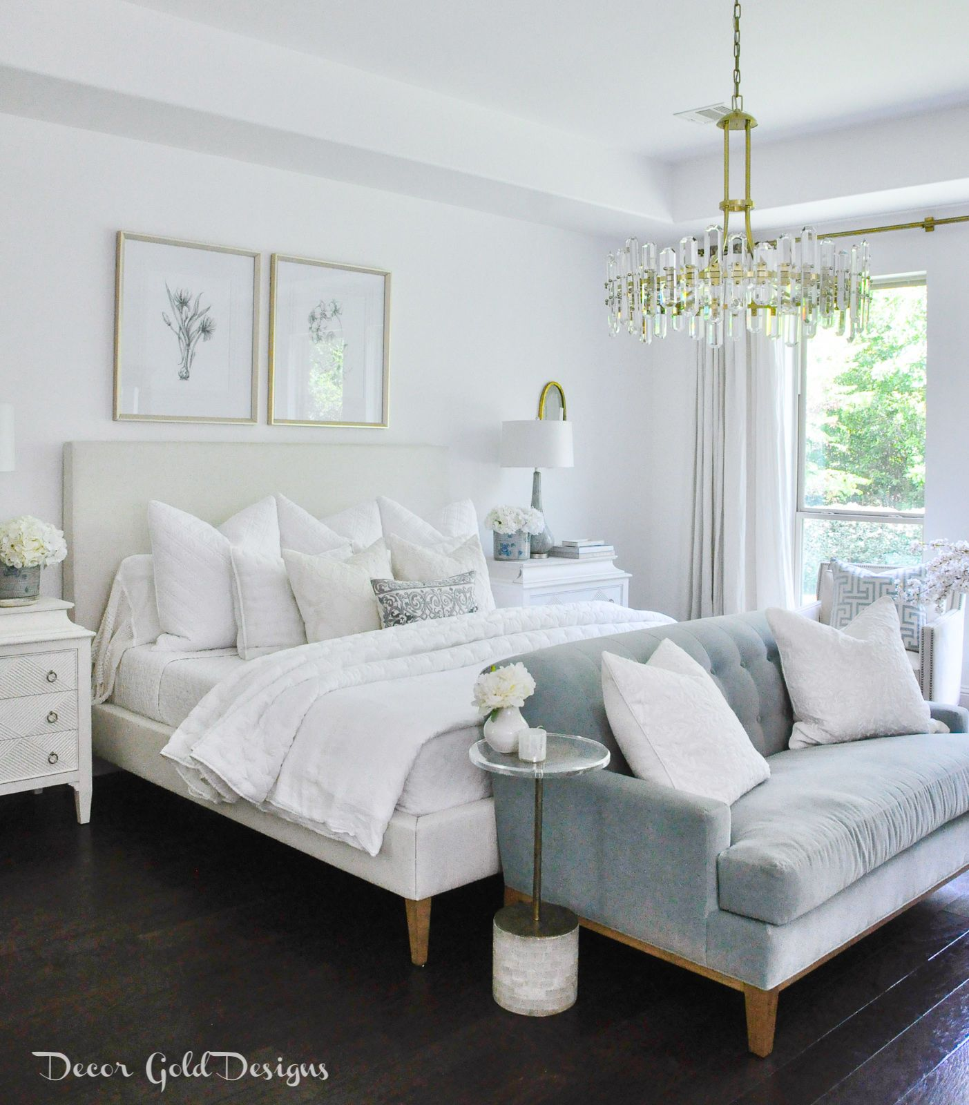 Dream Lighting A New Focal Point Decor Gold Designs Bedroom Interior Master Bedrooms Decor Home Decor