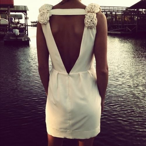 Perfect short wedding dress!! Wish I knew who made it:(
