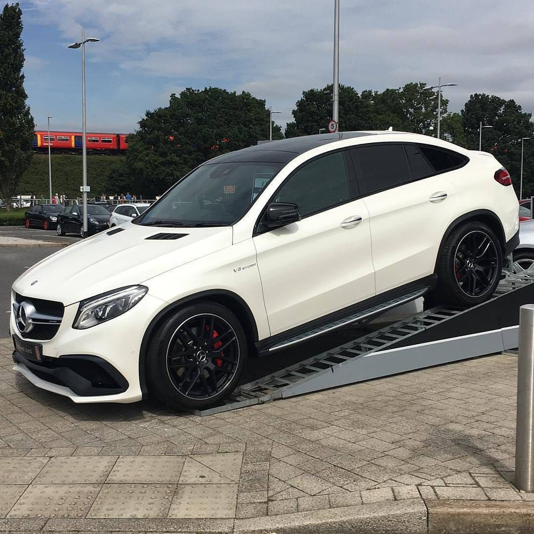 Heavy mercedes amg gle 63 s coup 585 hp v8 biturbo for Mercedes benz amg v8 biturbo