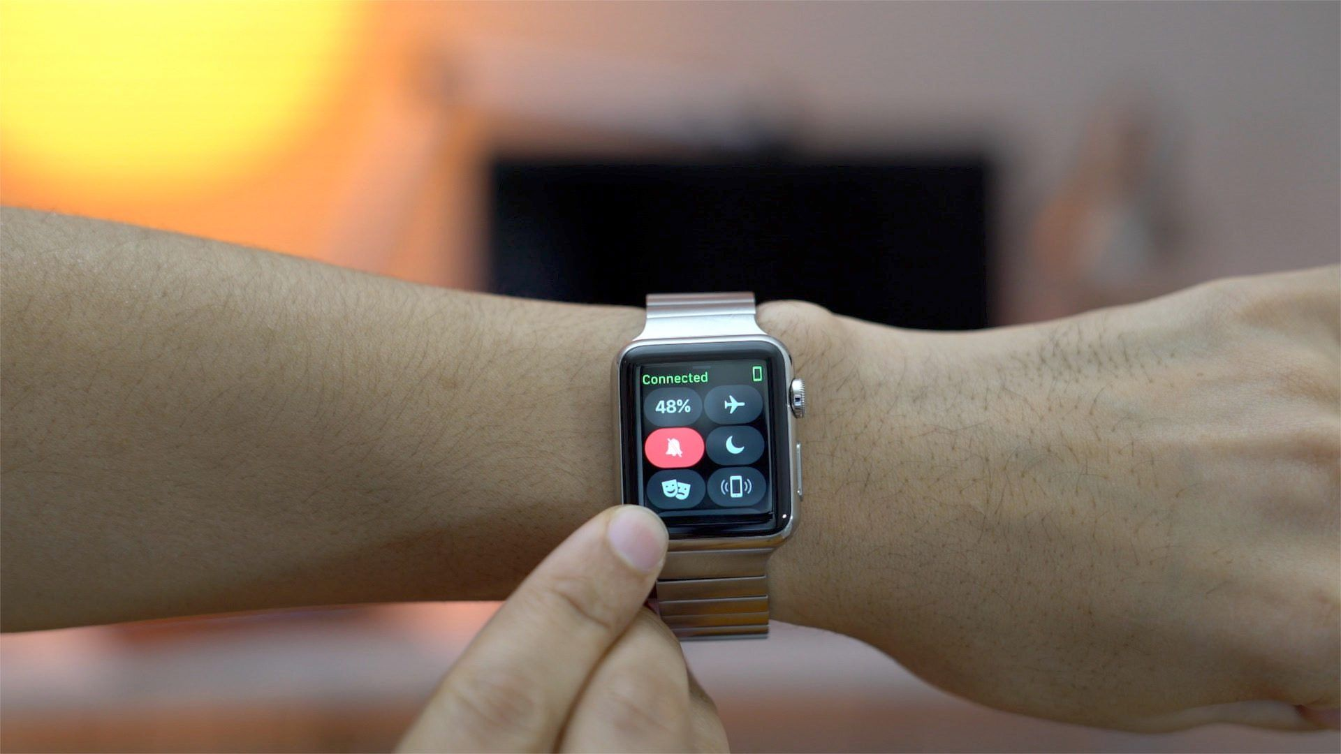 Apple Watch How To Use Theater Mode Apple Watch Apple Watch Stand Theater Mode