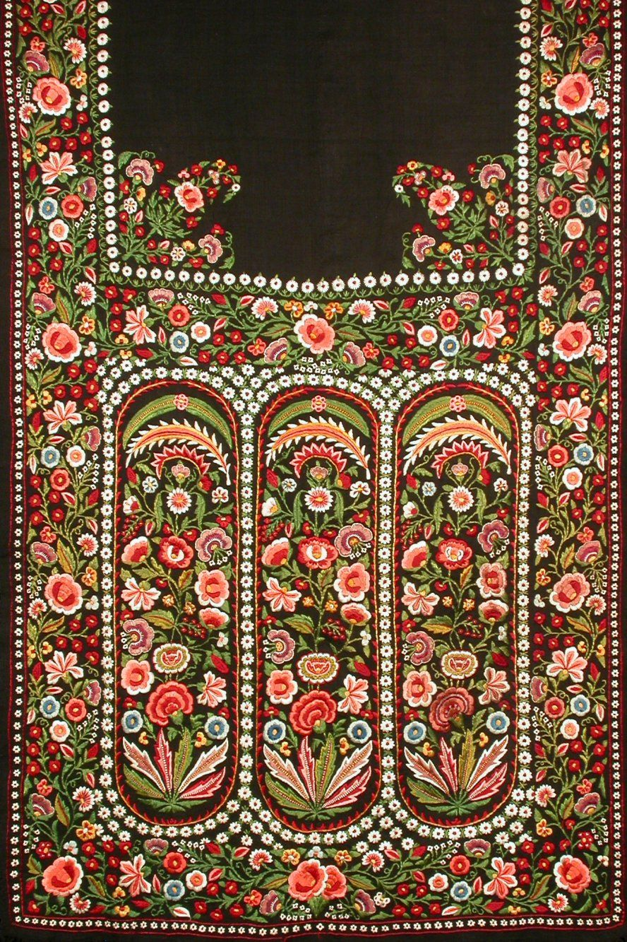 Indian Embroidered Sarees: 'Delhi-work' Stole Embroidered In Silk On Wool