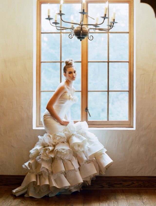 Such a glamorous shot! This mermaid dress has all the drama a bride could ever want.. This is perfect for a black tie wedding.