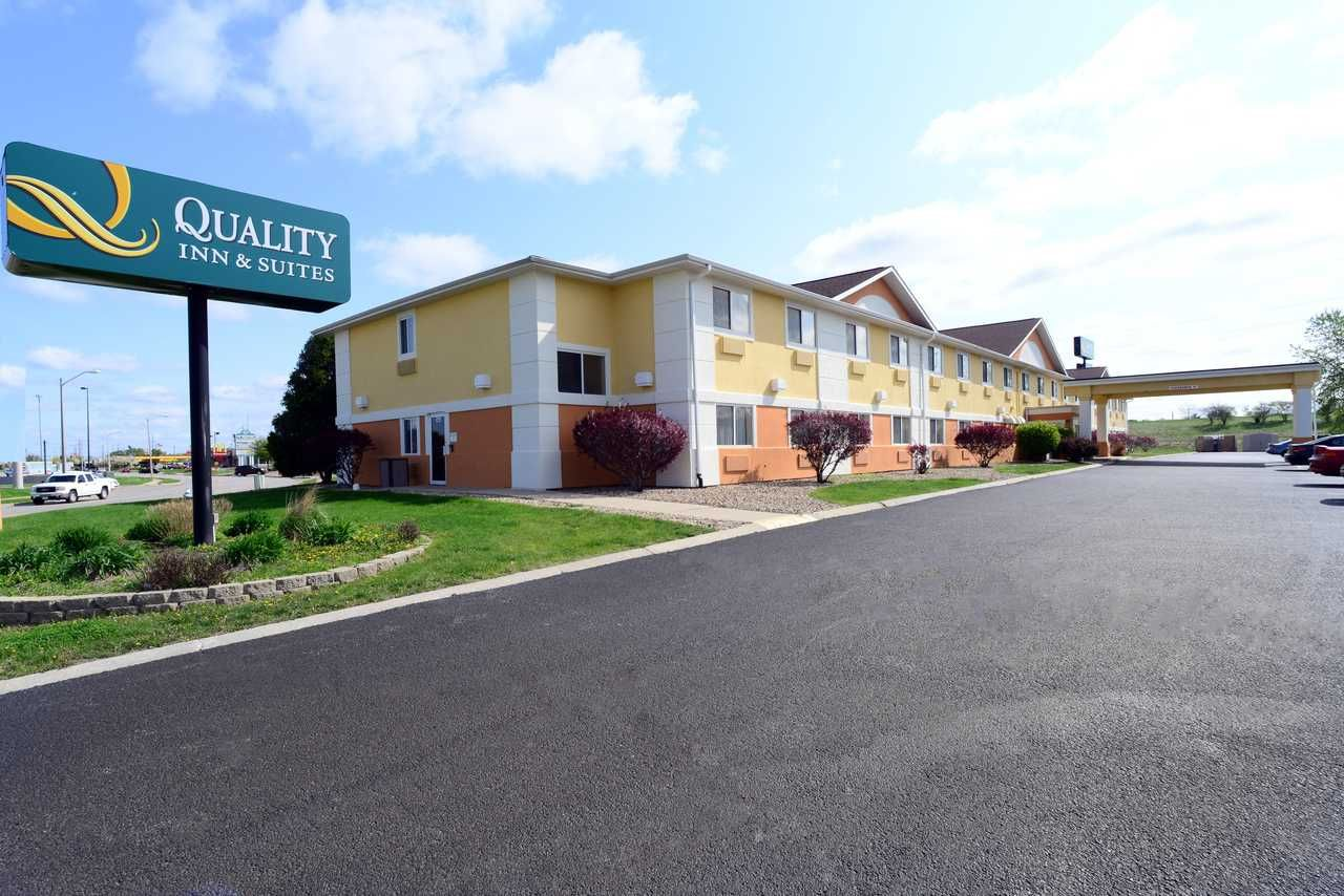 Quality Inn Suites Springfield Illinois Is Perfect Blend Of