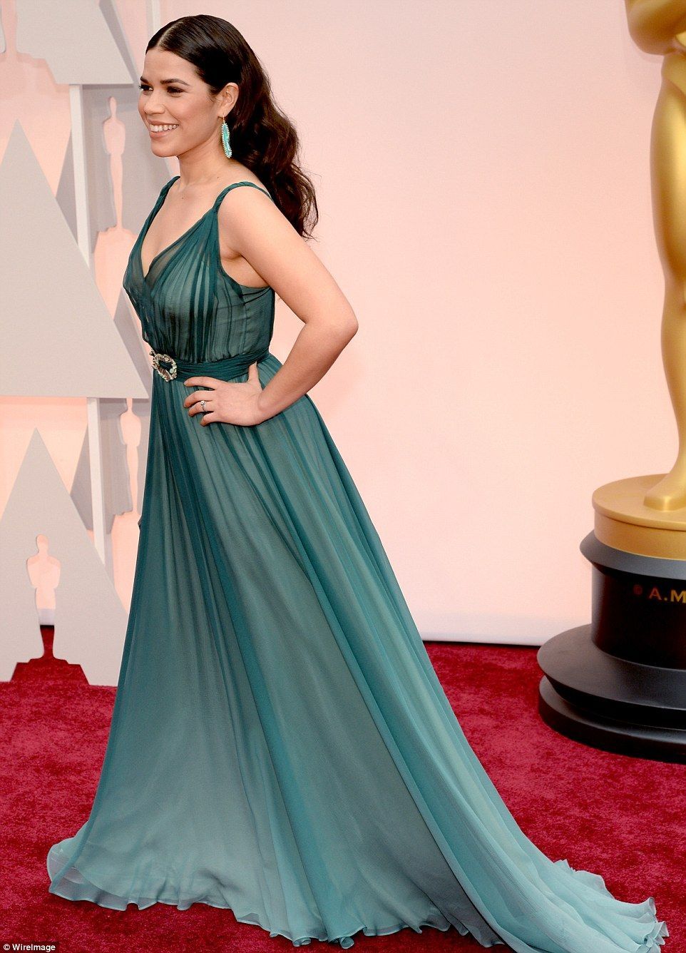 Reese, Julianne, Marion and Felicity lead glamour at Academy Awards