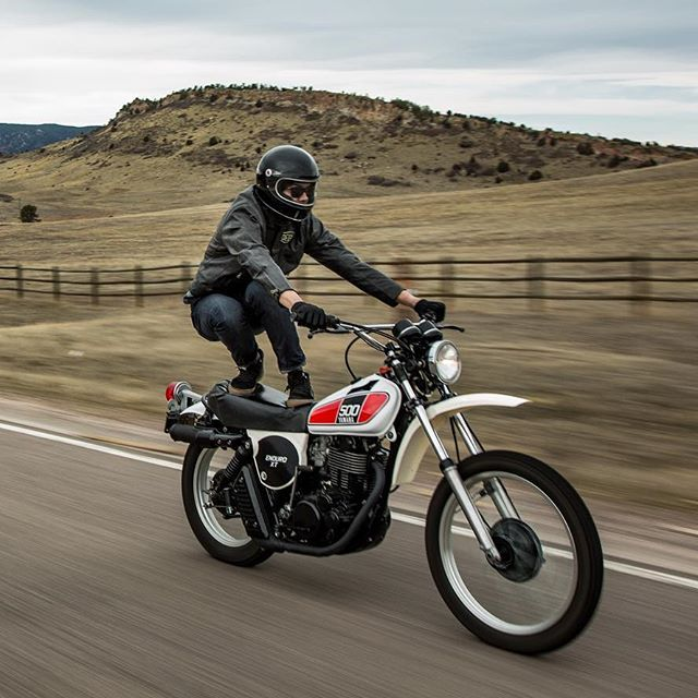 Top 10 Coolest Motorcycle Ladies Of 2016 With Images Yamaha
