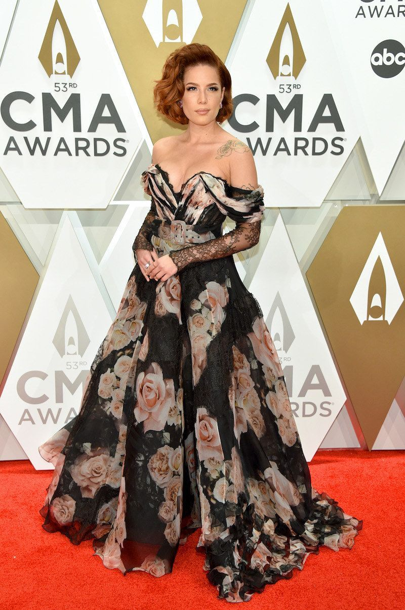 Here Are All The Standout Looks From The CMAs Red Carpet — And, Yes, There Was A Lot Of Sparkle -  Halsey Here Are All Of The Standout Looks From The CMAs Red Carpet — And, Yes, There Was A Lot Of - #carpet #CelebrityStyle #CMAs #FashionDesigners #FashionTrends #looks #lot #Red #RedCarpetDresses #sparkle #standout #there