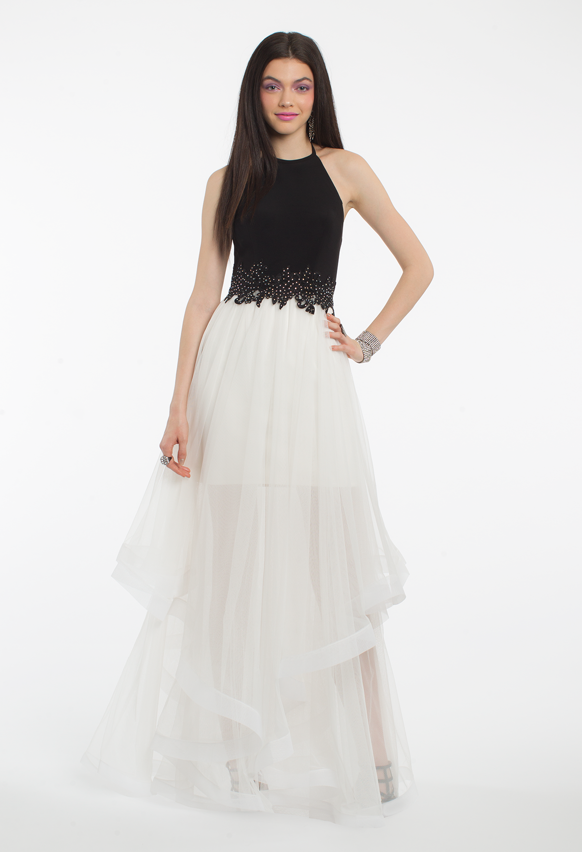 Take a twirl on the dance floor in this pretty evening gown the