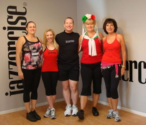 Cinco De Mayo 2012 Class With The Palm Springs Instructors Monica Stephanie Kevin Cindy And Chris Jazzercise Palm Spr Spring Workout Jazzercise Fitness