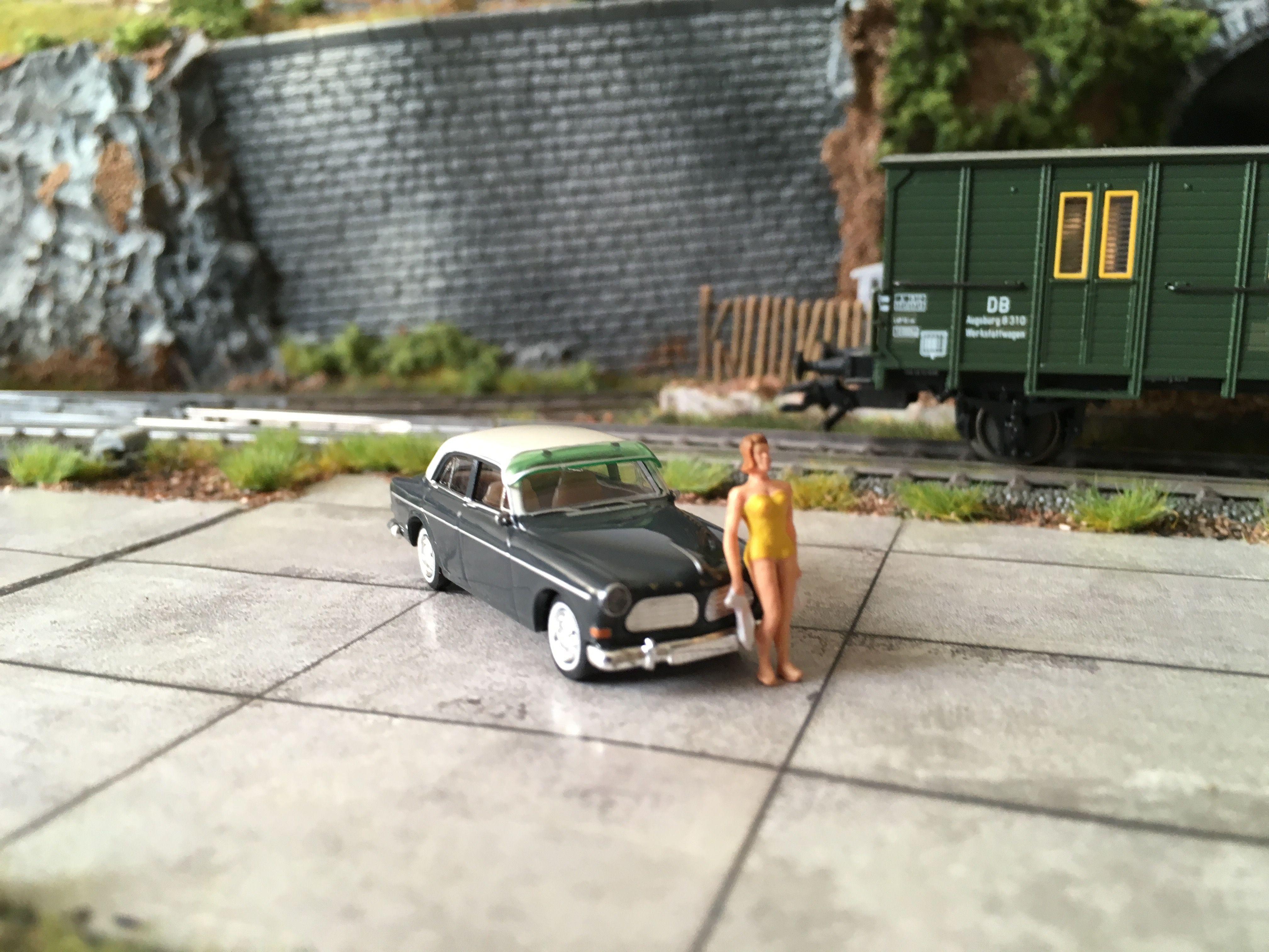 BREKINA Volvo Amazon  1:87